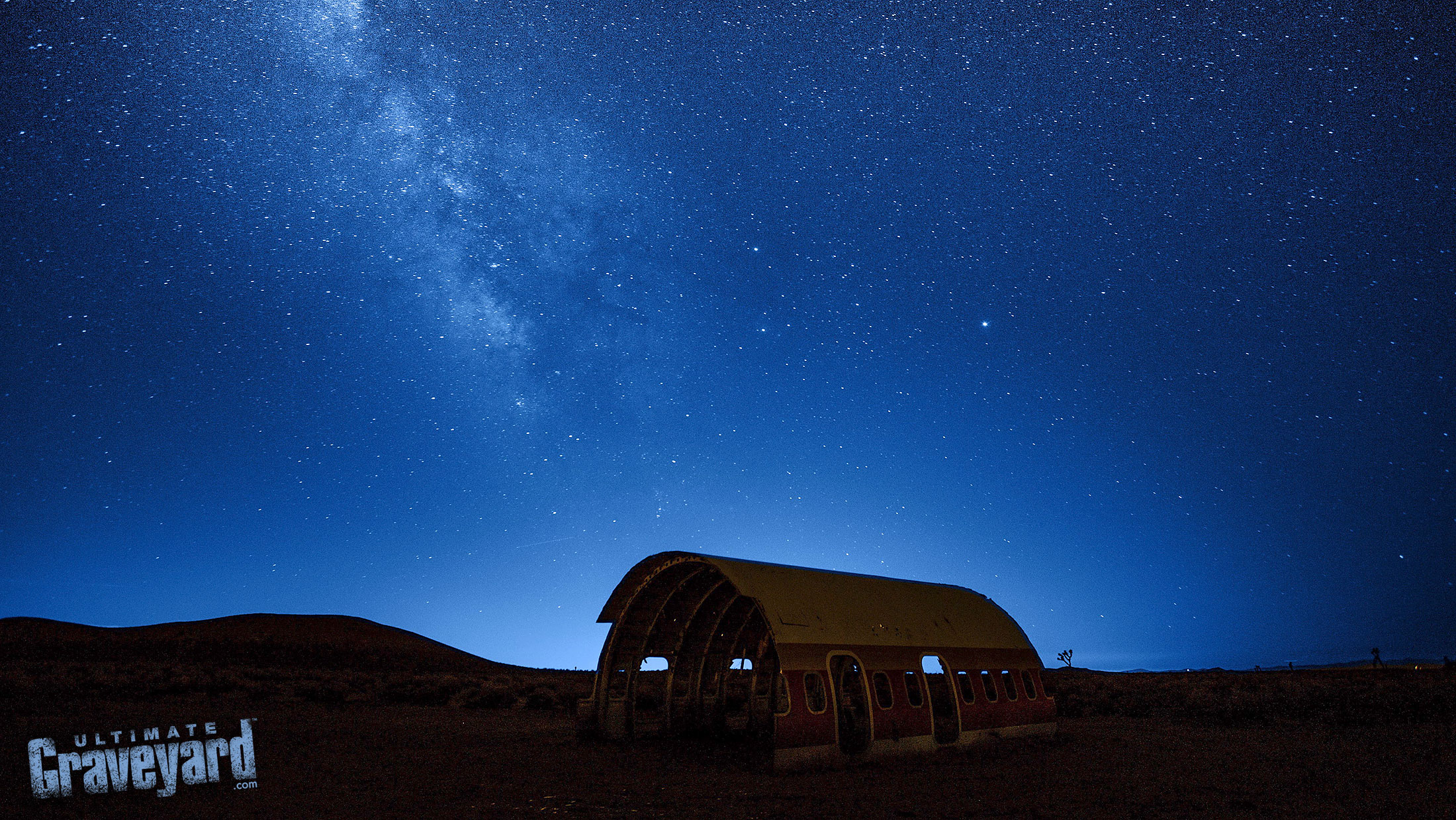Ultimate Graveyard at night - desert astral photography wtih time-lapse and long exposure at the mojave desert film location