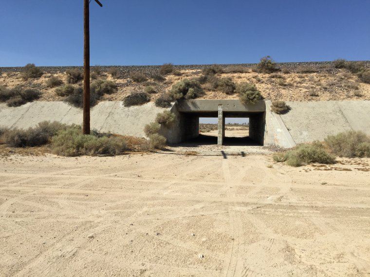 UltimateGraveyard Mojave Desert Filming & Photography Location - Cement Underpass & Dirt Roads